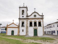 https://flic.kr/p/SKXcgd | Igreja de Santa Rita | No centro histórico da bela cidadezinha de Paraty, no estado do Rio.  Paraty, Rio de Janeiro, Brasil. Tenham um lindo dia!  ____________________________________________  Church of Santa Rita  At the little town of Paraty, near Rio.  Paraty, Rio de Janeiro, Brazil. Have a beautiful day! :-)  ____________________________________________  Buy my photos at / Compre minhas fotos na Getty Images  To direct contact me / Para me contactar…