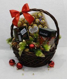 New Fruit Basket Hamper Christmas Ideas Christmas Hamper, Christmas Crafts, Christmas Ideas, Gift Hampers, Gift Baskets, Cadeau St Valentin, Honey Shop, Leaving Gifts, New Fruit