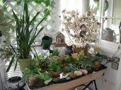 Google Image Result for http://www.hahoy.com/wp-content/uploads/2010/05/indoor-gardening-iillustration.jpg
