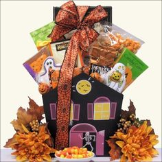 Adults and children alike will surely enjoy the delectable treats in this Hauntingly Delicious Gourmet Halloween gift basket.