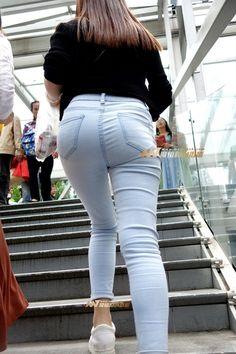 Teen Leggings, Tops For Leggings, Superenge Jeans, Cute Jeans, Cute Little Girls Outfits, Sweet Jeans, Hot Asian Men, Girls Jeans, Jeans Style
