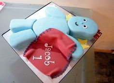 this is a vanilla and jam cake of iggle piggle from in the night garden.