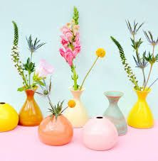 3 Good-Looking Clever Tips: Old Vases Floral Arrangements tall vases terrarium.Old Vases Floral Arrangements antique vases floral decorations. Pretty Pastel, Pretty Flowers, Colorful Flowers, Colorful Plants, Pastel Flowers, Exotic Flowers, Cut Flowers, Colorful Decor, Fresh Flowers