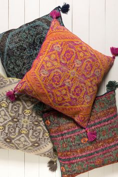 With a unique, vibrant and handcrafted construction, these Zahra pillows by Surya evoke a genuine vintage yet eclectic look! (ZP-003)