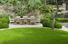 circular lawn