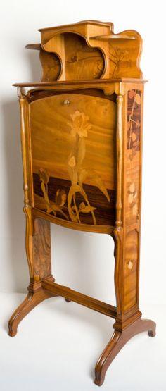 LOUIS MAJORELLE (1859-1926) Billet doux Louis Majorelle writing desk (1900 France)