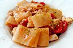 Il ragù alla bolognese è una ricetta regionale emiliana, il condimento perfetto per delle tagliatelle fatte in casa o lasagne emiliane.