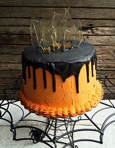 Halloween Drip Cake with Sugar Glass Shards / Wandering Whisk Bakeshop