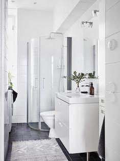 trendy ideas for bathroom renovations small bath remodel Modern White Bathroom, Rustic Bathroom Vanities, Bathroom Interior, Bathroom Small, Scandinavian Interior Design, Beautiful Interior Design, Shower Remodel, Bath Remodel, Small Bathroom Renovations