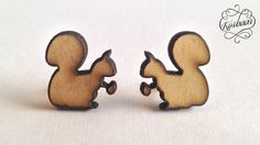 Kosbaar stud earrings - squirrel Beach Wood lasercut