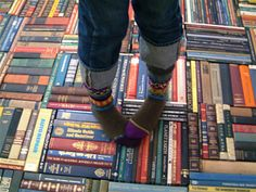 artist Pamela Paulsurd has crafted a rug made out of recycled book spines. If I ever get into rug hooking, I would love to make a rug that looked like a library of books! Book Furniture, Industrial Furniture, Book Spine, Up House, Book Nooks, Reading Nooks, I Love Books, My New Room, Looks Cool