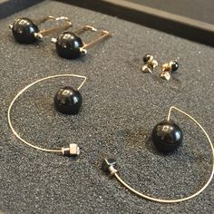 may mOma Gea Sphere earrings. Black and gold: perfect!