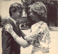 Queen Sofía receives her son after his first official trip abroad. It was to Cartagena de Indias, Colombia in 1986. Prince Felipe was 15 years old.  -lbk-