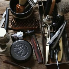 The right tools transform the morning. Every gentleman needs the grooming classics: a wood shaving bowl, a shaving brush, a beard brush, a mustache-beard comb, and a pocket comb. Shaving Oil, Shaving Razor, Shaving Brush, Beard Grooming Kits, Male Grooming, Beard Brush, Beard Oil, Poodle Grooming, Hair Tonic