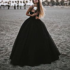 Quinceanera Dress Styles – Three Steps to Finding the Perfect One Black Quinceanera Dresses, Kids Prom Dresses, Full Length Gowns, Floor Length Dresses, Skirt Fashion, Fashion Dresses, Vintage Ball Gowns, Quince Dresses, Ball Gown Dresses