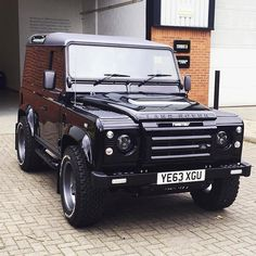 Photo #Regram @twisted_automotive //// ABSOLUTELY GORGEOUS Bespoke Land Rover D90 from Twisted Automotive. - SOURC