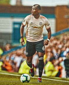 One Love Manchester United, Manchester United Wallpaper, Manchester United Football, Man Utd Fc, Jesse Lingard, Football Boys, Football Pictures, Professional Football, Man United