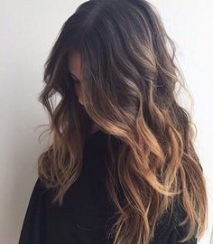 @vandanabadlani Hair, long, straight, blonde, highlights, half pony, updo, curls, wavy, natural