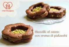 Biscotti al cacao con crema di pistacchio