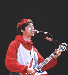We see things they'll never see Noel Gallagher, Lennon Gallagher, Oasis Live, Oasis Band, Signature Guitar, Damon Albarn, Britpop, A Good Man, Cool Bands