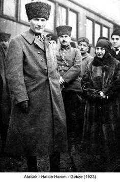 Atatürk ve Halide hanım - Gebze 1923