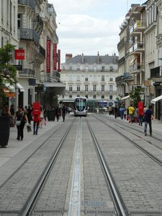 Tramway - Angers I cant image a tramway up this street!