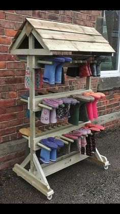 Children need clothes to go outside in any weather. - Children need clothes to go outside in any weather. We … – Outdoor Classroom and School Garden - Outdoor Learning Spaces, Outdoor Education, Outdoor Play Areas, Boot Storage, Storage Rack, Storage Ideas, Sensory Garden, Natural Playground, Outdoor Classroom