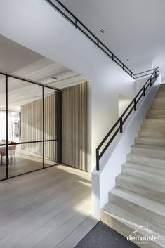 Trappen - modern | Trappen Demunster, Waterven Heule, Trap, Trappen, Houten trap, Betontrap, Designtrap, Ronde trap, Ronde spiltrap, Spiltrap, Kasteeltrap, Klassieke trap, Trap met kuipstuk, Zwevende trap Staircase Handrail, Stair Railing, Staircase Design, Interior Stairs, Interior And Exterior, Landscape Stairs, Modern Apartment Design, Modern Farmhouse Exterior, House Stairs