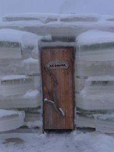 Although opinions are sharply divided, many people think this is one of the nicest of the Oulu Province, Finland ice sauna doors. Photo from ezioman photo stream. Helsinki, Sauna Design, Finnish Sauna, Door Gate, Unusual Homes, Snow And Ice, Windows And Doors, Norway, Scandinavian