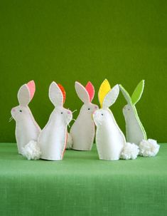 Bunny Finger Puppets! | Purl Soho Purl Bee, Easter Projects, Diy Craft Projects, Craft Ideas, Sewing Projects, Felt Projects, Diy Ideas, Craft Kits, Craft Tutorials