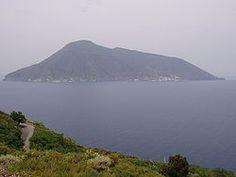 A view of Salina from the island of Lipari: the near peak is Fossa delle Felci