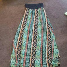 Size xs strapless maxi dress Xs strapless maxi dress with patterned bottom Xhilaration Dresses Maxi
