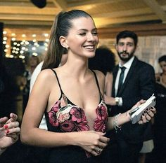 Find images and videos about beauty, china suarez and chinasuarez queen on We Heart It - the app to get lost in what you love. Camila Morrone, Famous Photos, China, Selena, Boho Chic, Camisole Top, Street Style, Outfits, Tank Tops