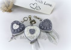 Bobble Heart – hartje haken – Ik ben gek op gehaakte accessoires zoals hartjes en bloemen. Gewoon van die kleine tussendoor projectjes die snel klaar zijn met een superleuk resultaat. V…