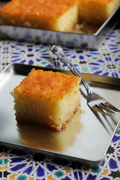 the Old Curiosity Shop: Revani: Turkish Semolina Cake Soaked in Syrup No Bake Desserts, Delicious Desserts, Yummy Food, Arabic Dessert, Arabic Sweets, Arabic Food, Semolina Cake, Turkish Recipes, Cake