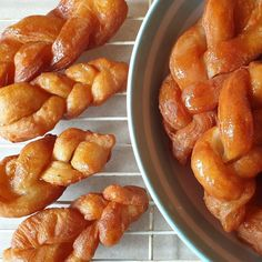 Sweet and sticky koeksisters - the traditional South African classic made with dough. Other Recipes, Sweet Recipes, Tart Recipes, Koeksisters Recipe, Salted Caramel Fudge, Salted Caramels, South African Recipes, Russian Recipes, 2 Ingredients