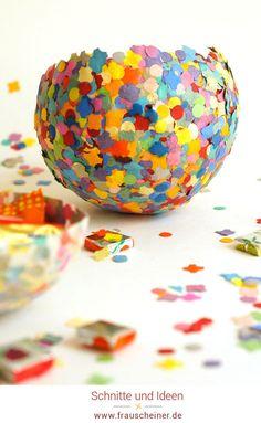 Konfettischale aus Pappmasche selbermachen, einfaches diy für süße  Bonbon aufbewahrung, recycling Papier, Bonboniere, Luftballon, basteln  mit Kindern, Kinder, basteln, Bastelidee, diyidee, Süßigkeiten,  Fasching, Karneval, Fastnacht #recycling #Kofetti #bastelnmitkindern Reuse, Upcycle, Blogger Themes, Recycled Materials, At Home Workouts, Sprinkles, Candy, Crafts, Crowns
