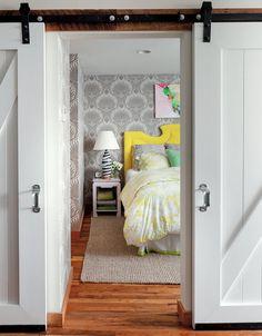 Love the sliding door!
