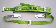 sử dụng dây đai an toàn khi làm việc trên cao nên kiểm tra các khóa kết nối, khóa cài có hỏng hóc, méo mó hay không.