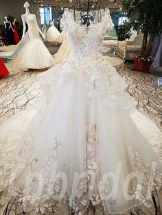 Affordable haute couture wedding dress 2017 winter for sale. Off the shoulder lace up beading paillette hand made bridal gown wholesale real photos high quality. Luxury Wedding Dress, Wedding Gowns, Lace Wedding, Colored Wedding Dresses, Bridal Dresses, Wedding Dress Costume, Party Dress, Bride Gowns, Marie