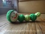 kleine gehäkelte Amigurumi-Raupe