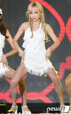 Check out SNSD's pictures from the DMC Festival's Kpop Super Concert ~ Wonderful Generation