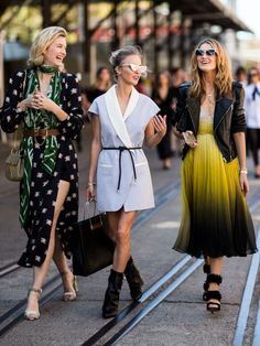The best streetstyle looks from all Fashion Weeks. Style Work, Mode Style, Street Chic, Street Wear, Paris Street, Fashion Moda, Look Fashion, Womens Fashion, Man Fashion