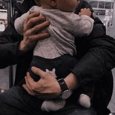 Cute Asian Babies, Korean Babies, Cute Babies, Father And Baby, Dad Baby, Baby Kids, Cute Family, Baby Family, Family Goals