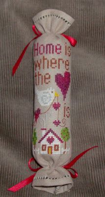 Home is Where the Heart is, designed by Barbara Ana Astray Mendez, from Barbara Ana Designs, stitched by JillMN, Purple Peacock blogger as a needle roll.