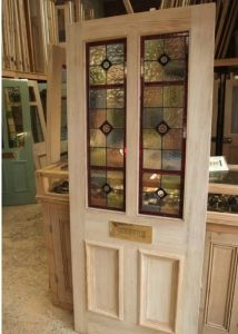 A Pretty Victorian Style Stained Glass Front Door - Incorporate something like this into sliding doors for office Victorian Front Doors, Wooden Front Doors, Glass Front Door, Sliding Glass Door, Victorian Homes, Glass Doors, Sliding Doors, Garage Doors, Stained Glass Door