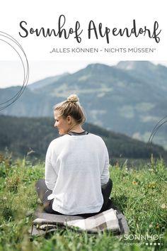 Yoga im Urlaub: Sonnhof Alpendorf Einmal wöchentlich Yoga auf der Alm mit Frühstück #sonnhofalpendorf #urlaubinösterreich #meislsteinalm #visitaustria