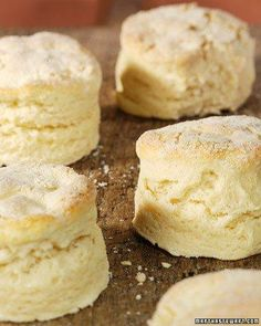Clinton Street Baking Company Biscuits : This delicious and orginal recipe is courtesy of Neil Kleinberg. Recettes Martha Stewart, Martha Stewart Recipes, Martha Stewart Biscuit Recipe, Savoury Pastry Recipe, Pastry Recipes, Baking Tips, Baking Recipes, Baking Company, Scones