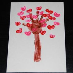 TitiCrafty by Camila: 18 Cute & Easy Kids Valentine's Day Crafts. The Weekly Round Up kids valentines 18 Cute & Easy Kids Valentine's Day Crafts Valentine Tree, Valentines Day Party, Valentines For Kids, Valentine Day Crafts, Holiday Crafts, Holiday Fun, Valentine Ideas, Crafts To Do, Crafts For Kids