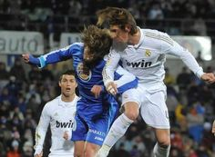 Ramos iguala la media de goles de Roberto Carlos